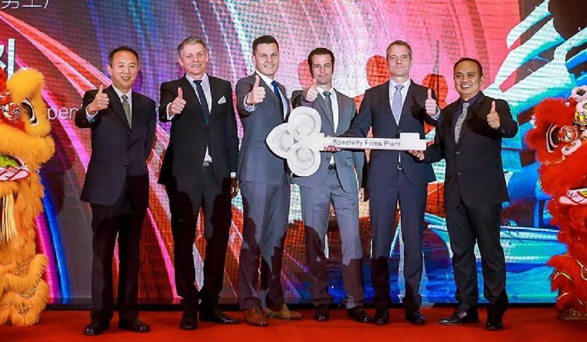 Handover of keys in Guangzhou